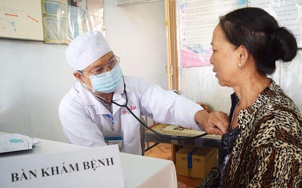 Tiến hành thăm khám và tuân thủ đúng các chỉ định của bác sĩ