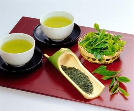 Uống trà xanh giúp kiểm soát bệnh tiểu đường