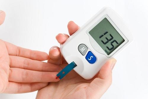 Bệnh nhân tiểu đường tuýp 2 kiểm tra đường huyết mới có thể biết mình mắc bệnh