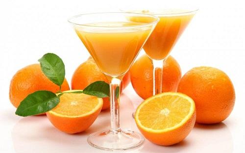 Mẹ bầu bị tiểu đường thai kỳ vẫn được uống nước cam nhưng với liều lượng nhất định